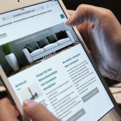 eCouleur Referenz nachhaltiges Design Grundstein Immobilien responsive Webdesign